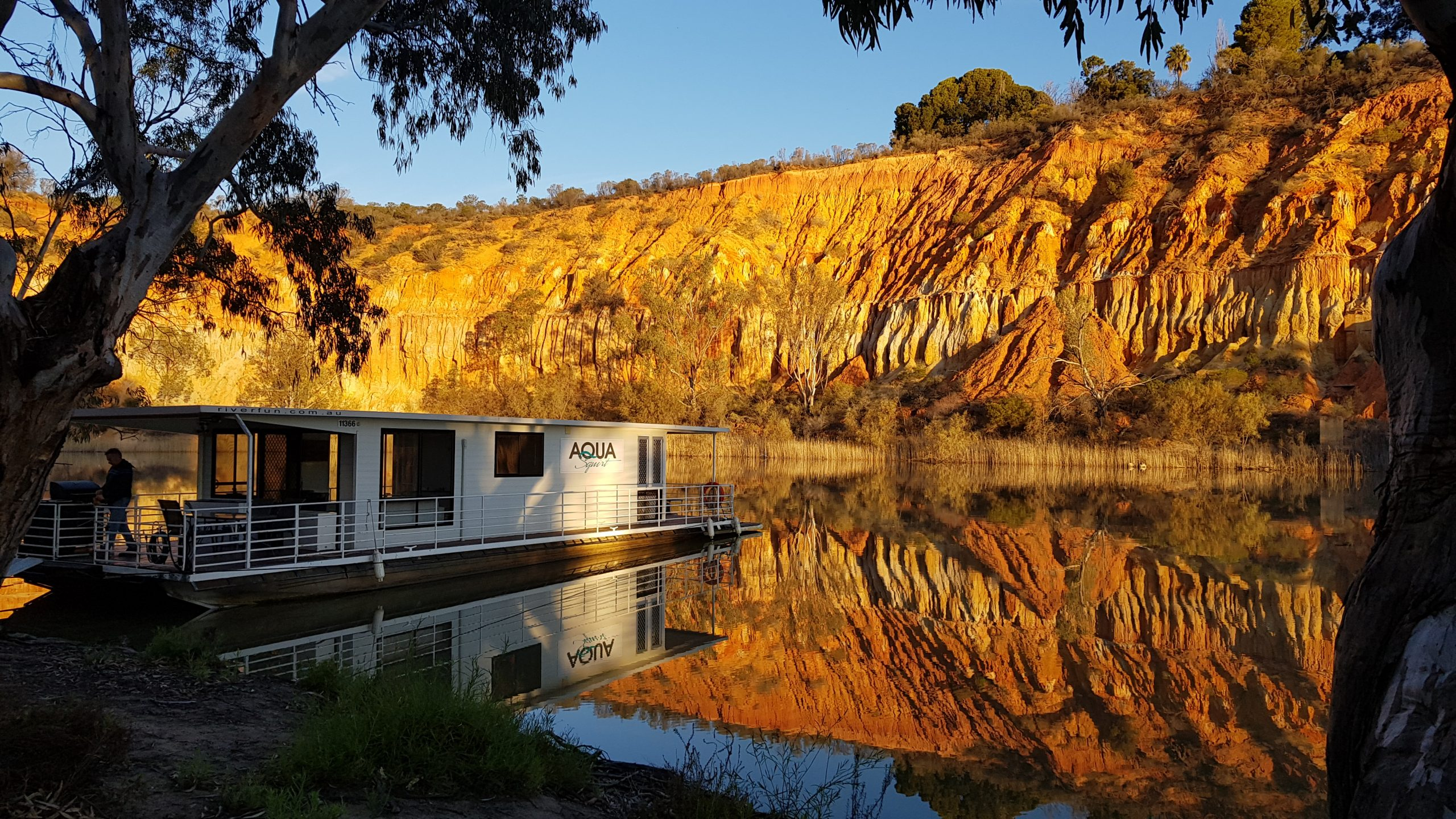 Book your next Staycation with Riverfun Houseboats!